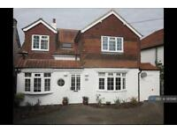 5 bedroom house in Woodlands Road, Bookham, Leatherhead, KT23 (5 bed)
