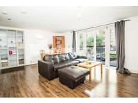 2 bedroom flat in Franklin Building, 10 Westferry Road, Canary Wharf