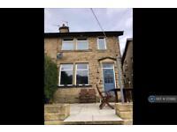 3 bedroom house in Highfield Terrace, Sowerby Bridge, HX6 (3 bed)