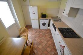 4 bedroom house in Bedford Street, Roath, Cardiff