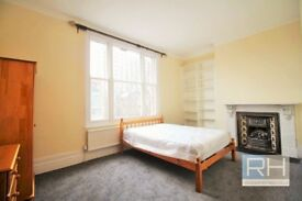 **EARLS COURT** LARGE ROOM IN SHARED HOUSE ** ALL BILLS + INTERNET INCLUDED ** LILLIE ROAD SW6