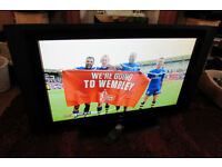 "Television 37"" LCD TV Goodmans LD3761HDFVT with stand and remote"