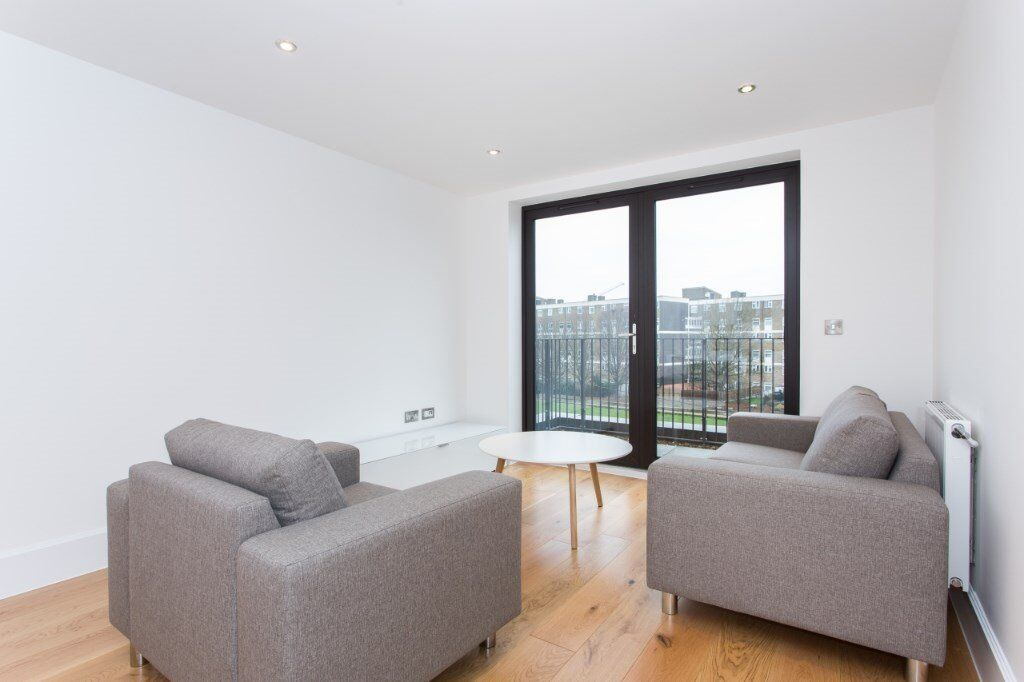 LUXURY 2 BED 2 BATH PARKSIDE EULER COURT E3 BOW DEVONS ROAD MILE END CANARY WHARF BROMLEY