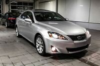 2011 Lexus IS 250 AWD**Navigation * 115$/sem garantie 3 ans/6000