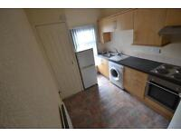 1 bedroom flat in Clytha Square, Newport,