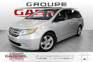 2011 Honda Odyssey Touring Blind Spot / DVD / NAV / Leather / Ro