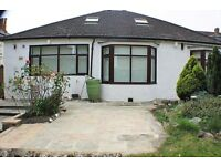 SPACIOUS THREE BEDROOM BUNGALOW IN EAST CROYDON - AVALIABLE NOW