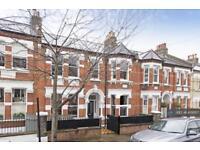 5 bedroom house in Devereux Road, London, SW11 (5 bed)