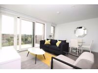 STUNNING 1B FLAT WITH ROOF TERRACE, WOOD FLOORING IN ELEPHANT PARK, ELEPHANT & CASTLE, LONDON D3