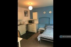 Studio flat in Sparrow Hill, Loughborough, LE11 (#1130930)