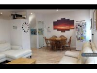 5 bedroom flat in St. Marys Road, London, NW11 (5 bed) (#1052215)