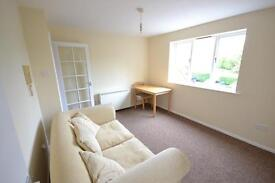 1 bedroom flat in Blackdown Close, East Finchley, N2