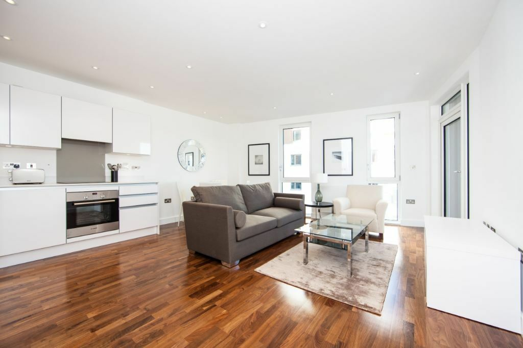 Stunning 2 Bed, 2 Bath Apartment in Incredible Location in Greenwich