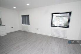 2 bedroom flat in Leslie Park Road, Croydon, CR0 (2 bed) (#1053504)