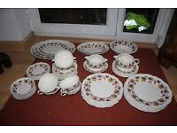 Vintage Royal Doulton (Indian Summer) Dinner Service