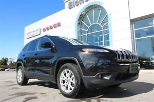2014 Jeep Cherokee North 4X4 *ONE OWNER/V6*