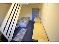 4 bedroom house in Park Street, Pontypridd, Treforest