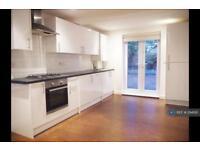 2 bedroom flat in Pemberton Road, London, N4 (2 bed)