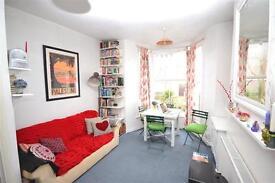 1 bedroom flat in Leighton Road, London, NW5