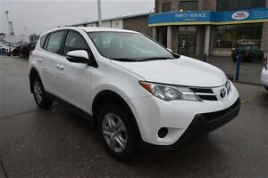 2015 Toyota RAV4 LE AWD WITH BLUETOOTH WITH 4 NEW TIRES