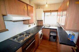 3 bedroom house in Batham Road, Greenford