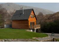 LOG CABIN with WOOD BURNING STOVE + PRIVATE HOT TUB, LOCH LOMOND 1km, 2 person discount!