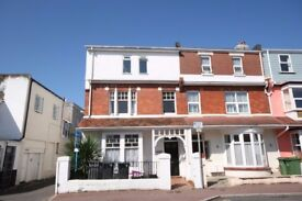 1 bed flat to let in Paignton in town close to beach front