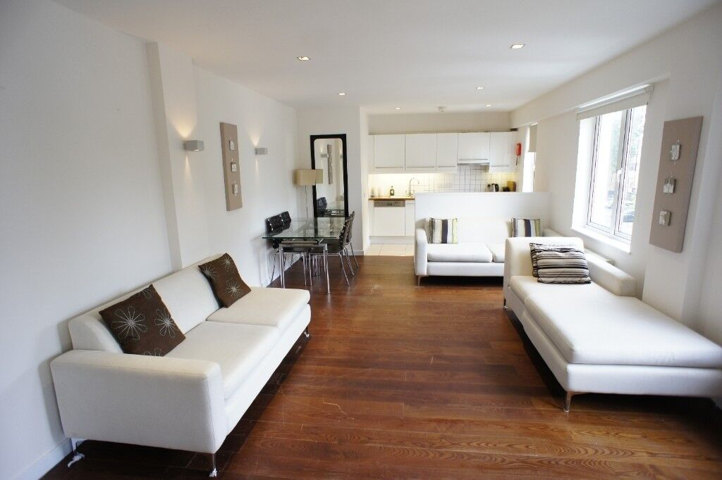 Two double bedroom spit level apartment
