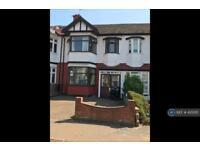 3 bedroom house in Elmcroft Avenue, London, E11 (3 bed)