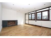 3 bedroom flat in Salford House, Seyssel Street, Isle Of Dogs E14