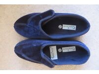 Coolers Navy Slippers size 8, as new, boxed, velcro fastener, good for swollen ankles.