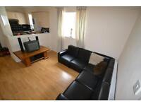 4 bedroom flat in Woodville Road, Cathays, Cardiff