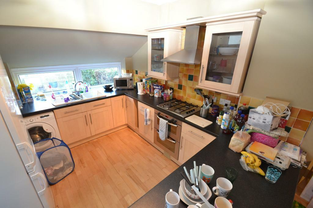 4 bedroom house in Tewkesbury Place, Cathays, Cardiff