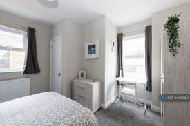 1 bedroom in Milton Road, Swindon, SN1 (#1103935)
