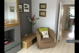 3 bedroom flat in Lismore Circus, London, NW5 (3 bed) (#1050352)