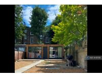 1 bedroom flat in Goldhurst Terrace, London, NW6 (1 bed) (#817516)