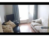 4 bedroom house in Redmere Grove, Manchester, M14 (4 bed)