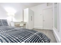 Beautiful double bed in refurbished flat around the corner from Elephant & Castle!