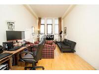 2 bedroom flat in Prescot Street, Aldgate East