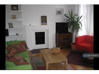 2 bedroom flat in London, London, SW2 (2 bed)