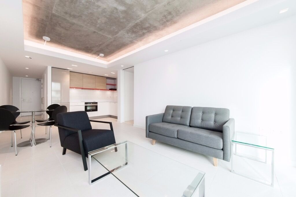 - Stunning & large 1 bedroom property for rent in brand new HOOLA apartment - AVAILABLE NOW -