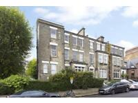 2 bedroom flat in Denning Road, Hampstead, NW3