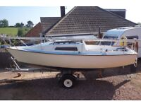 Jaguar 21 lifting keel sailing boat, trailer sailer with trailer, outboard, tender - ready to sail!