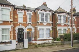 Cracking one double bed garden flat, in ideal location in Clapham