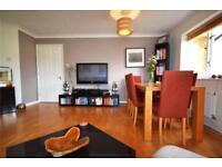 2 bedroom flat in Myddleton Avenue, Manor House, London, N4