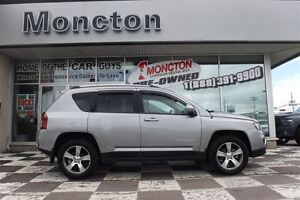 2016 Jeep Compass Sport 4x4 Back up camera/Low KMs!