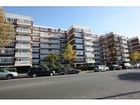 2 bedroom flat in Mayflower Lodge, Regents Park Road, Finchley Central, N3
