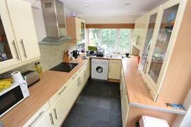 4 bedroom house in Strathnairn Street, Roath, Cardiff
