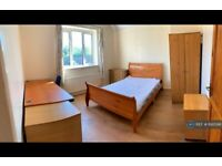 1 bedroom in Southway, Guildford, GU2 (#892098)