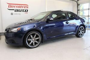 2011 Scion tC Toit Pano